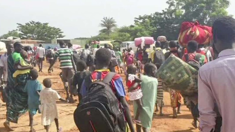 Displaced people flee amidst fighting in South Sudan
