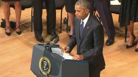 dallas police officers memorial obama malveaux dnt lead_00005416