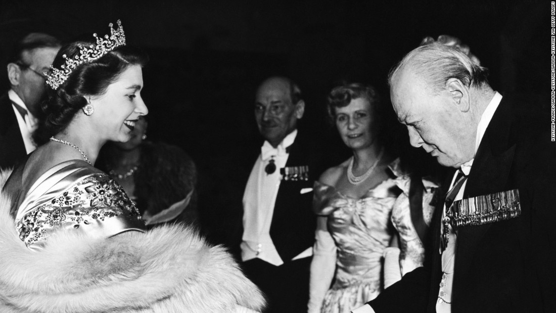 reflection on queen elizabeth s leadership essay She never applied and she can't be fired—but the long career of queen elizabeth  ii still offers lessons.