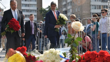 Russian Foreign Minister Sergei Lavrov and US Secretary of State John Kerry lay flowers outside the French Embassy in Moscow on Friday 15 in tribute to the victims of the deadly attack in the French Riviera city of Nice.