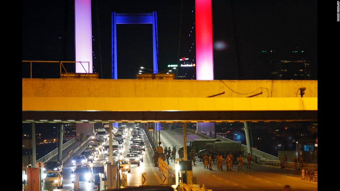 Turkish soldiers block Istanbul's iconic Bosphorus Bridge.<br />