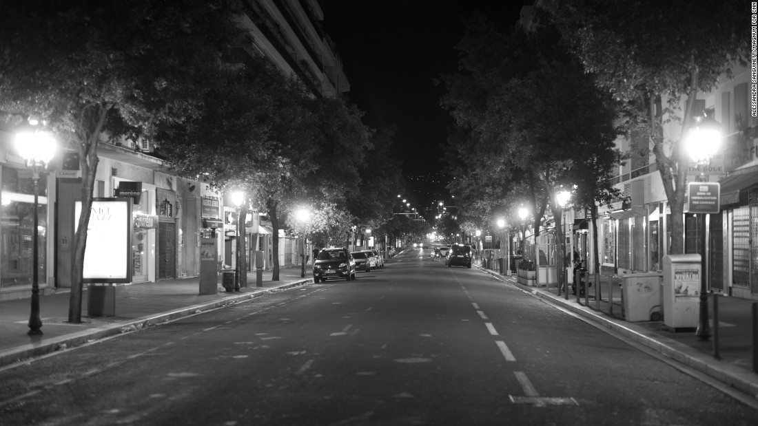 A street off the Promenade des Anglais.
