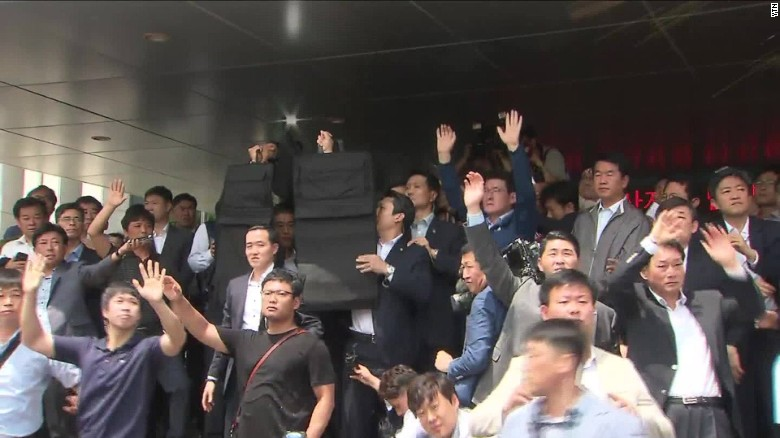 Angry mob pelts South Korean prime minister with eggs