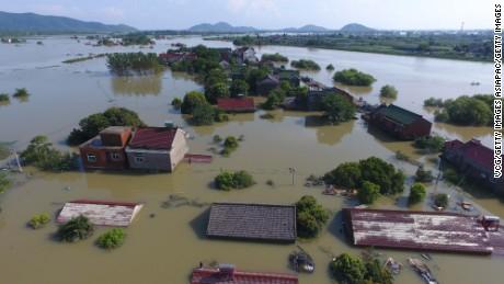 cnnee vo china tormentas e inundaciones _00000000