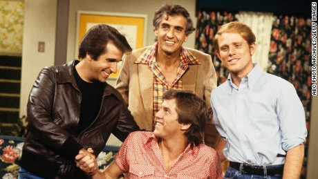 "UNITED STATES - NOVEMBER 05:  HAPPY DAYS - ""The Mechanic"" 12/4/79 Henry Winkler, Garry Marshall, Jim Knaub, Ron Howard  (Photo by ABC Photo Archives/ABC via Getty Images)"