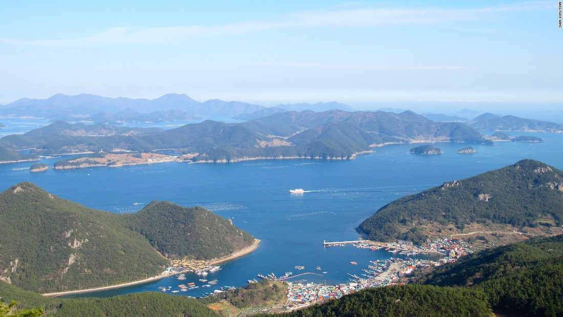 """For 360-degree views of Tongyeong and Hallyeohaesang National Park, take a 10-minute cable car ride up to the top of <a href=""""http://cablecar.ttdc.kr/Eng"""" target=""""_blank"""">Mireuksan Mountain</a>."""