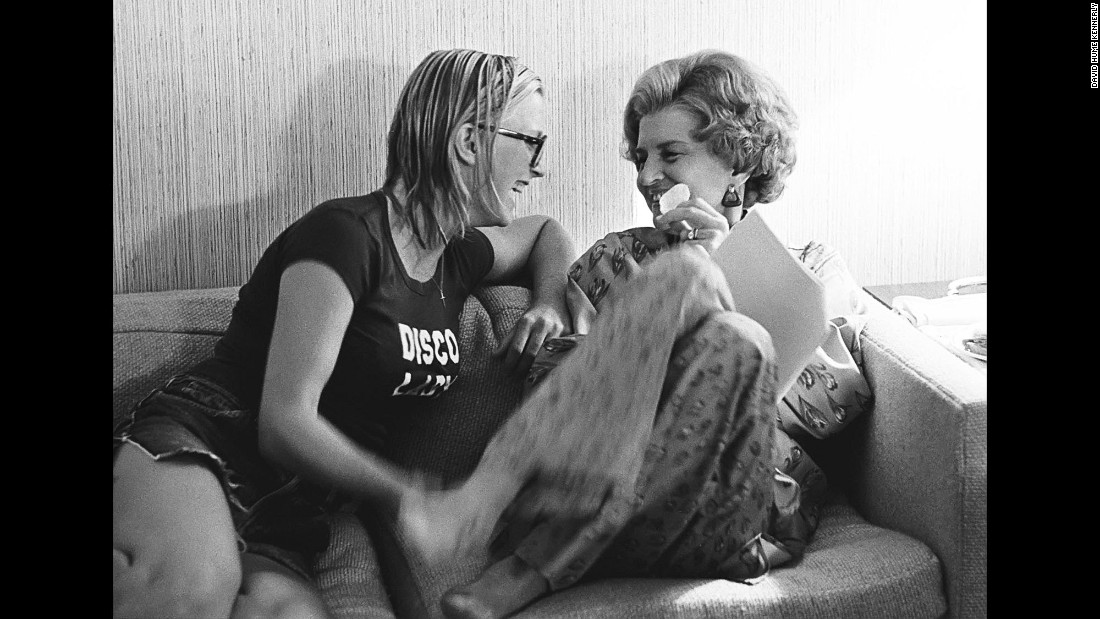 First lady Betty Ford shares a playful moment with her daughter, Susan.