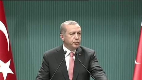 turkey state of emergency damon look live_00000601.jpg