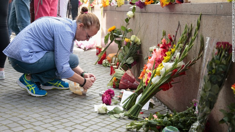 Munich mourns mall shooting victims