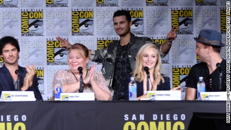 "SAN DIEGO, CA - JULY 23:  (L-R) Actor Ian Somerhalder, writer/producer Julie Plec, actors Michael Malarkey, Candice King and Matt Davis attend the ""The Vampire Diaries"" panel during Comic-Con International 2016 at San Diego Convention Center on July 23, 2016 in San Diego, California.  (Photo by Matt Winkelmeyer/Getty Images)"