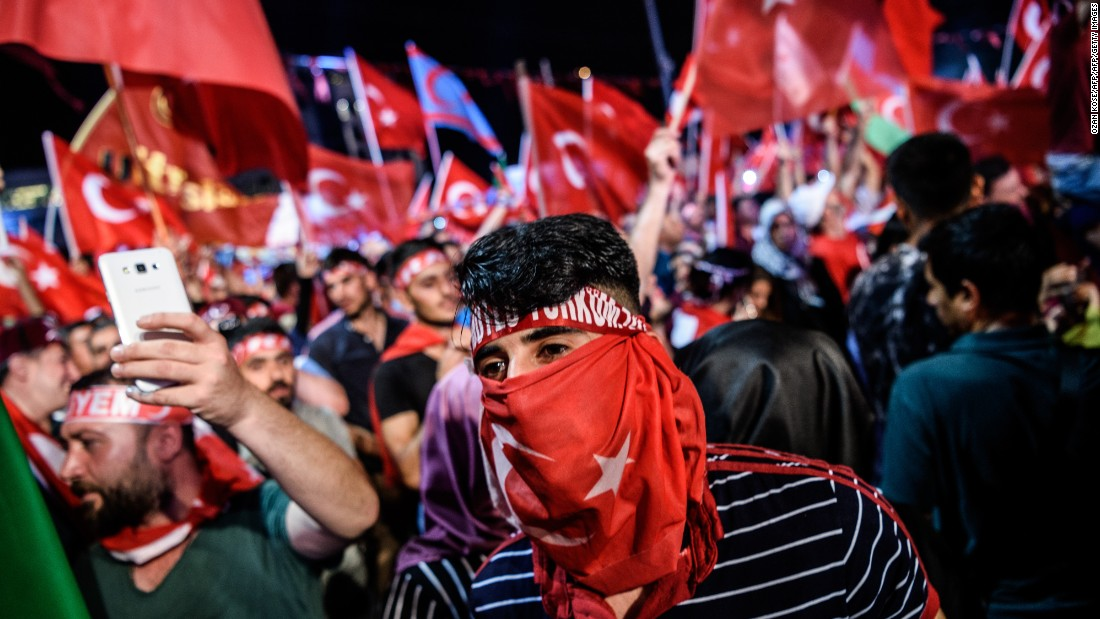 The cross-party event was held in honor of democracy and to protest the attempted coup that took place in the early hours of July 16.