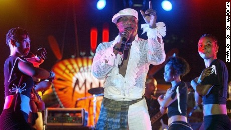 Koffi Olomide performing in Dakar