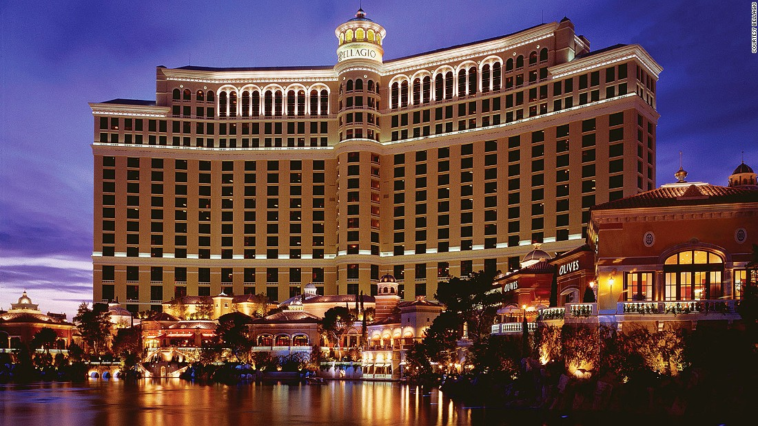 With a curved Italianate design and iconic fountains, Las Vegas' Bellagio is home to a sprawling casino, countless bars and restaurants and five Mediterranean-style pools.
