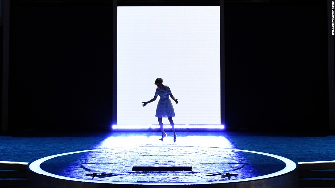 Actress Elizabeth Banks walks onto the stage Tuesday.