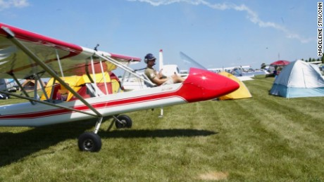 Oshkosh air cam plane mss orig_00000111.jpg