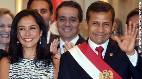 Perus First Couple, Nadine Heredia and President Ollanta Humala arrive to participate in the swearing in ceremony of the ministerial staff at the Golden Salon in the presidential Palace in Lima on April 2, 2015. Eighteen ministers, 3 new and 15 ratified in their posts, took the oath after outgoing Prime Minister Ana Jara was sacked by Congress over alleged spying charges by the National Investigation Directorate (DINI) under her, causing the biggest crisis in the Humala government's final year in office. AFP PHOTO/CRIS BOURONCLE        (Photo credit should read CRIS BOURONCLE/AFP/Getty Images)