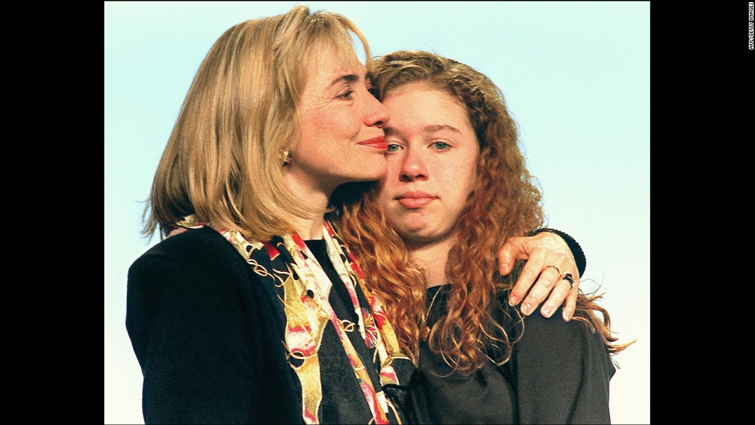 Hillary Clinton hugs her daughter during a farewell address to the people of Arkansas in January 1993. Their next stop was the White House.