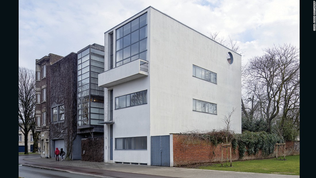 This studio-residence is a mansion built for the painter René Guiette, which is the only remaining building of Le Corbusier in Belgium. It is an early example of a simple, purist house.