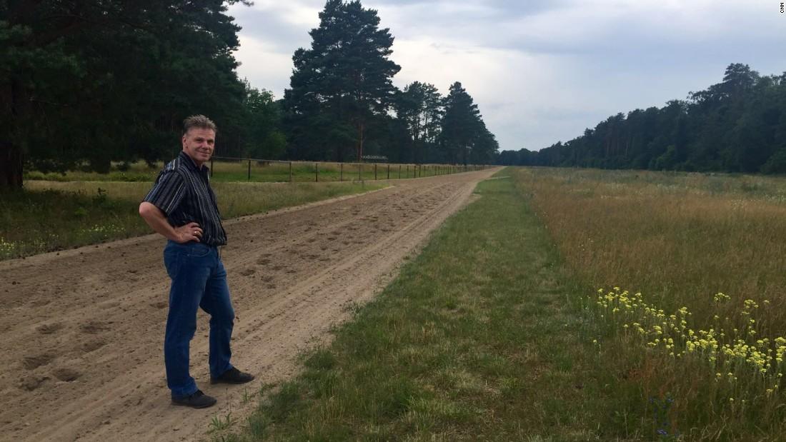 Horse trainer Uwe Stech began working as an apprentice jockey at Hoppegarten in 1977.