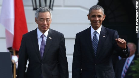 President Obama welcomes Singapore Prime Minister Lee Hsien Loong during an arrival ceremony on the South Lawn of the White House August 2, 2016 in Washington, DC.