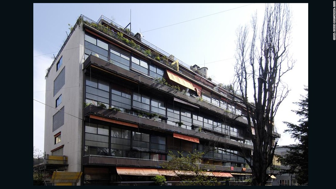 The building has balconies facing the street and contains 45 apartments in varying dimensions as well as a rooftop garden.