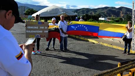 cnnee pkg gabriela matute colombia venezuela frontera problemas _00024909