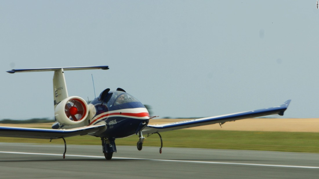 The single-seater plane's thrust comes from two ducted fan engines, which are powered by lithium-ion batteries mounted in the aircraft's wings.