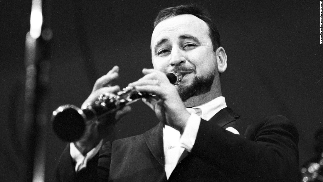 "Famous New Orleans jazz clarinetist <a href=""http://www.cnn.com/2016/08/06/us/louisiana-jazz-great-pete-fountain-dies/index.html"">Pete Fountain</a> died Saturday, August 6, of heart failure. He was 86."