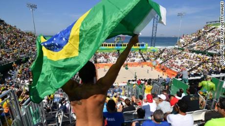 Beach volleyball draws big crowds at Rio 2016