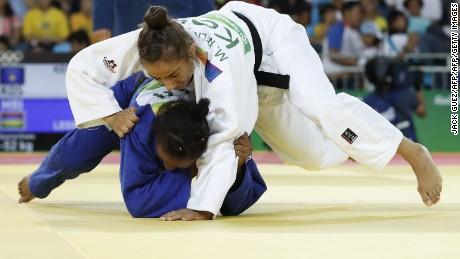 Majlinda Kelmendi wins gold for Kosovo's historic first Olympic medal