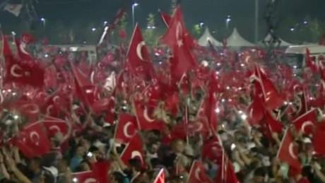 turkey anti coup rally arwa damon lok_00004701.jpg