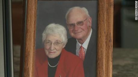 Couple Married 63 Years Dies Minutes Apart In Same room