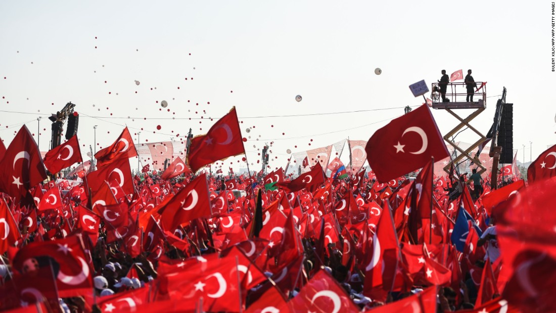 Some reports suggested as many as one million people turned out for the rally, emphasizing the depth of popular opposition to the attempted coup.