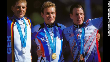 Russia's Viacheslav Ekimov wins gold, Germany's Jan Ullrich takes silver and Lance Armstrong wins bronze in Sydney's 2000 Olympic Games.