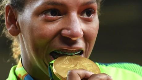 olympics from the slum to gold medalist darlington pkg_00013626