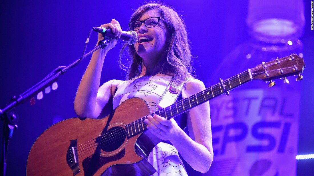 "Singer Lisa Loeb is best known for her mid-'90s hit ""Stay"" -- and her iconic eyeglasses."