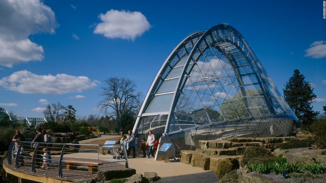"""The project that arguably led to WilkinsonEyre winning their part in Gardens by the Bay was the Davies Alpine House at <a href=""""http://www.kew.org/"""" target=""""_blank"""">Kew Gardens</a>. When it opened in 2006, it was the first new glasshouse to be constructed there for more than 20 years."""