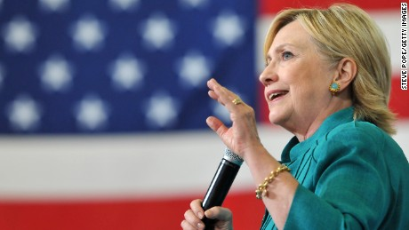DES MOINES, IA Ð AUGUST 10: Democratic presidential nominee Hillary Clinton talks about her economic plan,  August 10, 2016 in Des Moines, Iowa. It was Clinton's first trip back to Iowa since winning the Iowa Caucus. (Photo by Steve Pope/Getty Images)