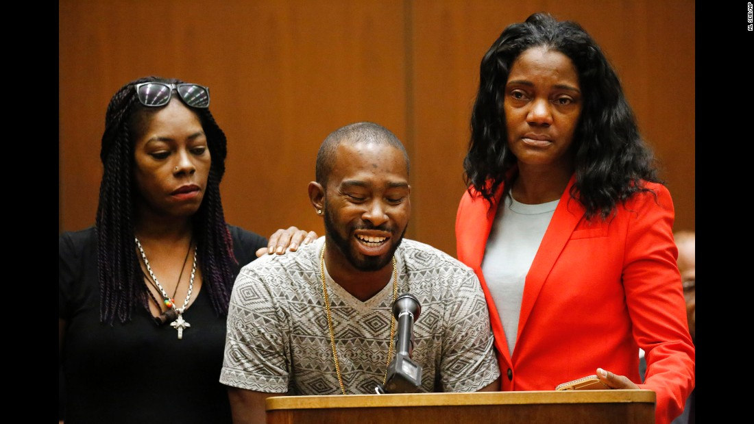 """Relatives of Mary Lowe, one of the victims of the serial killer Lonnie Franklin Jr., speak before his sentencing on Wednesday, August 10. Frankin, dubbed the """"Grim Sleeper,"""" <a href=""""http://www.cnn.com/2016/08/10/us/grim-sleeper-death-sentence/"""" target=""""_blank"""">was sentenced to death</a> for 10 murders that spanned decades in Los Angeles."""