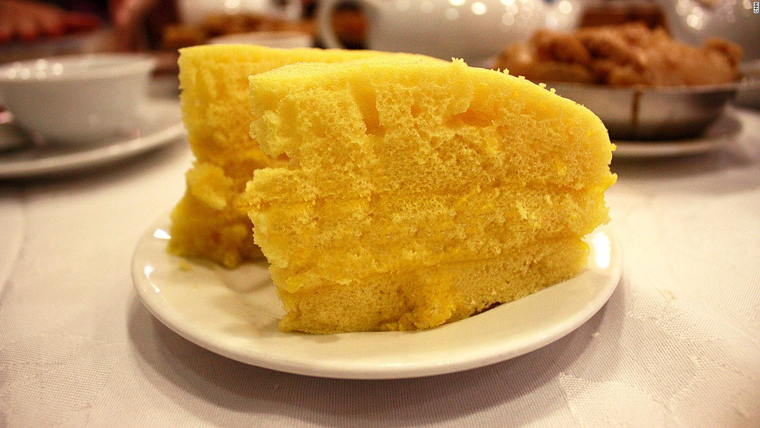 Ma lai go, or steamed sponge cake, is part of the repertoire of dishes in a classic Cantonese dim sum meal. Good ma lai go has an addictive caramel flavor and a satisfying chewiness.