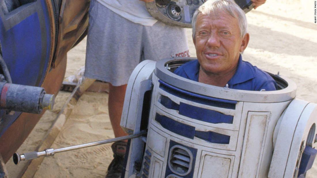 "British actor <a href=""http://www.cnn.com/2016/08/13/entertainment/actor-kenny-baker-dies/index.html"" target=""_blank"">Kenny Bake</a>r, best known for playing R2-D2 in the ""Star Wars"" films, died Saturday, August 13, Baker's niece, Abigail Shield, told CNN. He was 81."