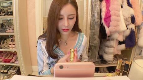 china live streaming matt rivers pkg_00020230.jpg