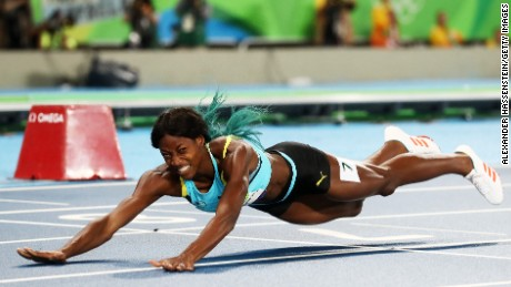 Allyson Felix beaten by Shaunae Miller in 400m final