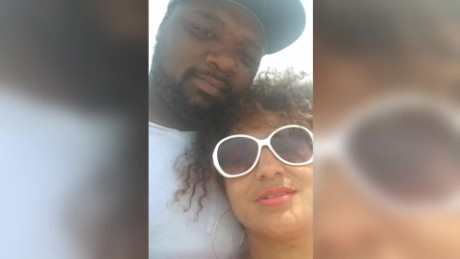 husband dies saving wife from rip tide_00012305
