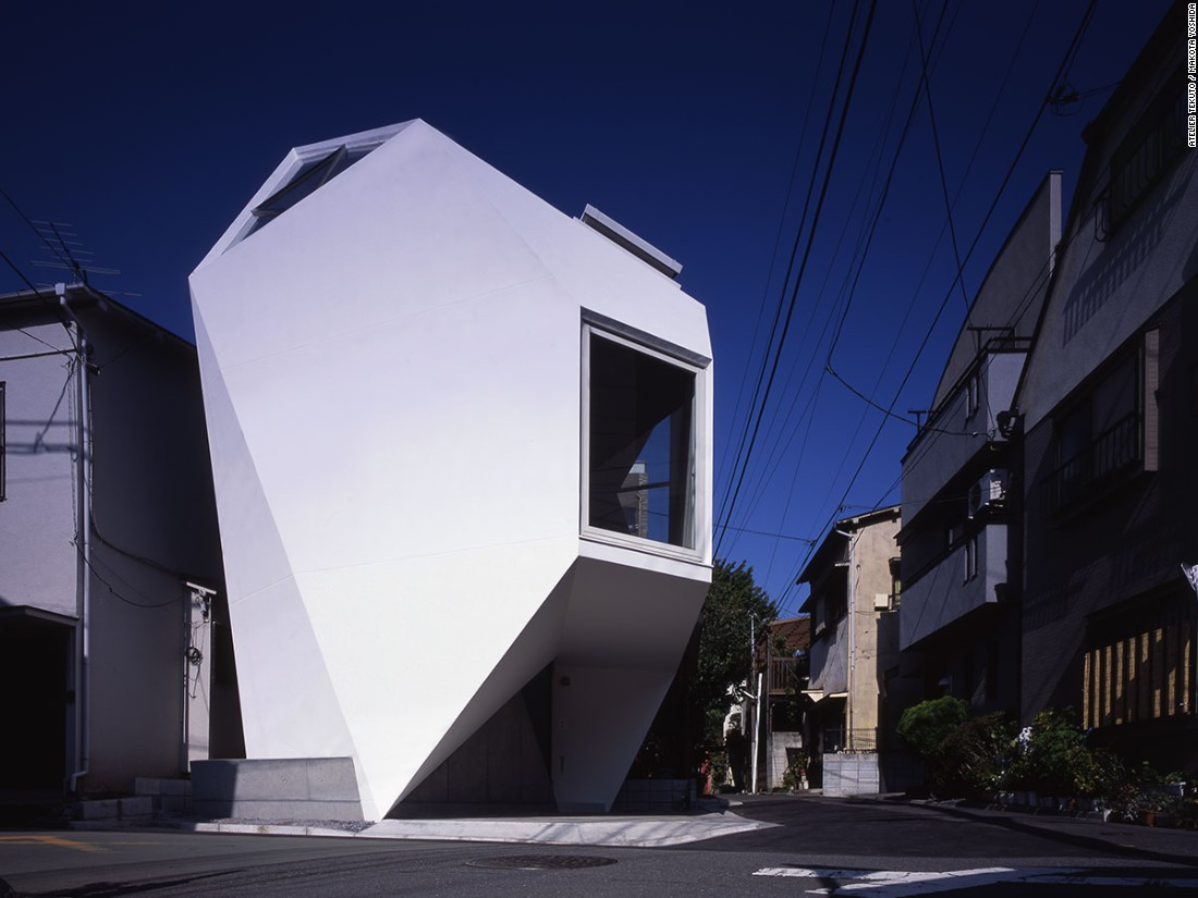 An irregularly shaped piece of land just 480 square feet, Reflection of Mineral is located in a dense area of Tokyo. To comply with building codes without sacrificing space, Atelier Tekuto designed a polyhedron shape that maximized living space and natural light.