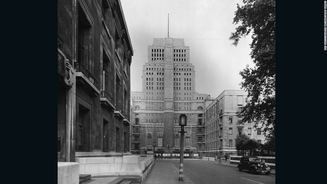 The 209-feet Senate House, built in 1937, was London's first skyscraper. Writer George Orwell supposedly modeled 1984's tyrannical Ministry of Truth on the now-iconic London building.