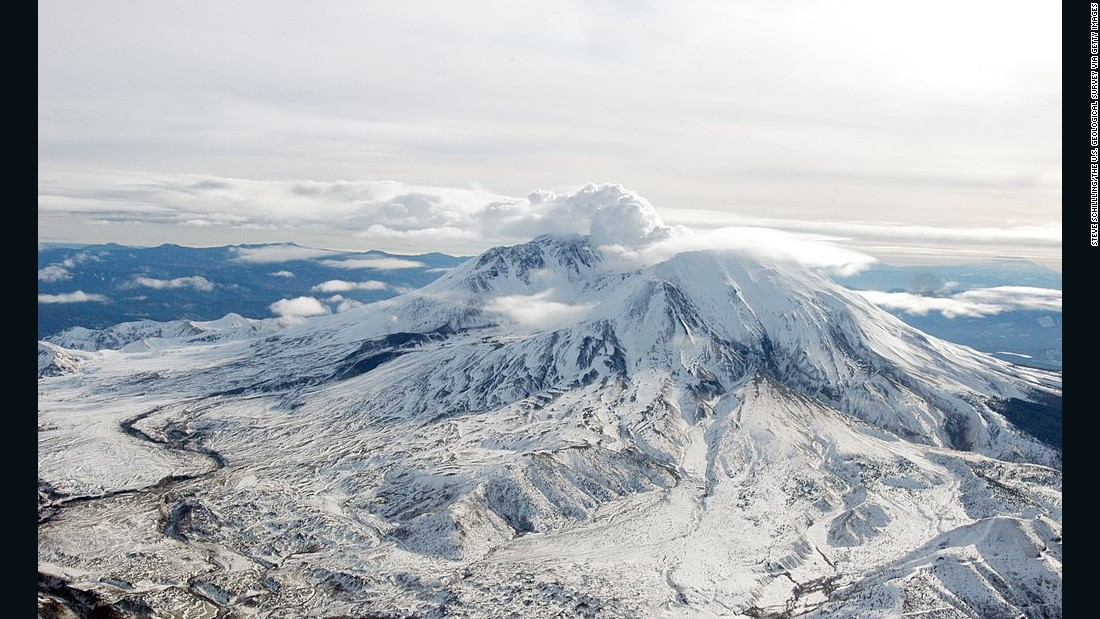 "Two-day, ""Dueling Volcanoes"" tours organized by Evergreen Escapes include private flights near Mount St. Helens, pictured, and Mount Rainier."
