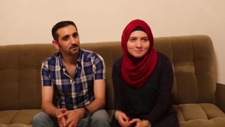 germany syrian couple sesay pkg_00025801