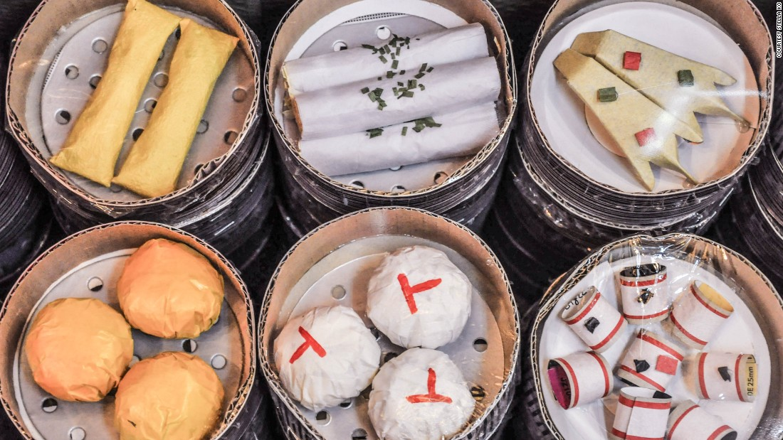 In Hong Kong, delicious-looking sets of dim sum in bamboo baskets can also be found -- of course, they're made entirely out of paper.