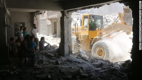 British aid worker: Massacres happening daily in Aleppo